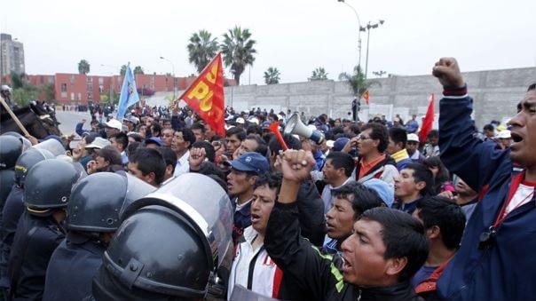 Empresas no pueden despedir a sus trabajadores por acudir a huelga ilegal