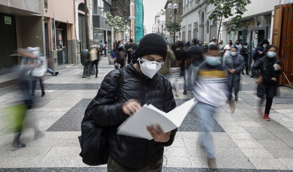 Aumenta el número de trabajadores y cae el empleo formal