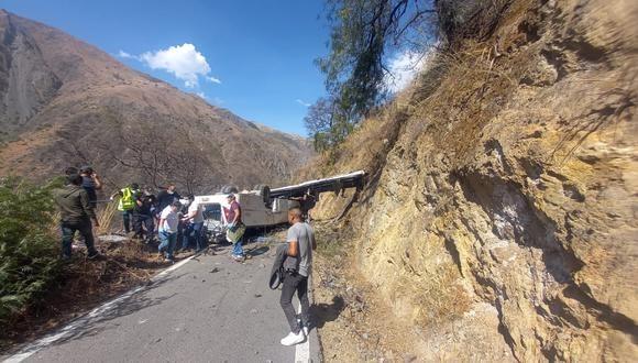 Apurímac: 17 fallecidos dejó accidente de minibús de minera Las Bambas